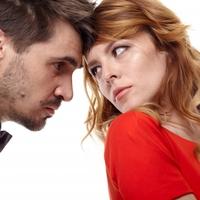 旦那の女友達が気になってしまう…嫉妬を防ぐ方法は?