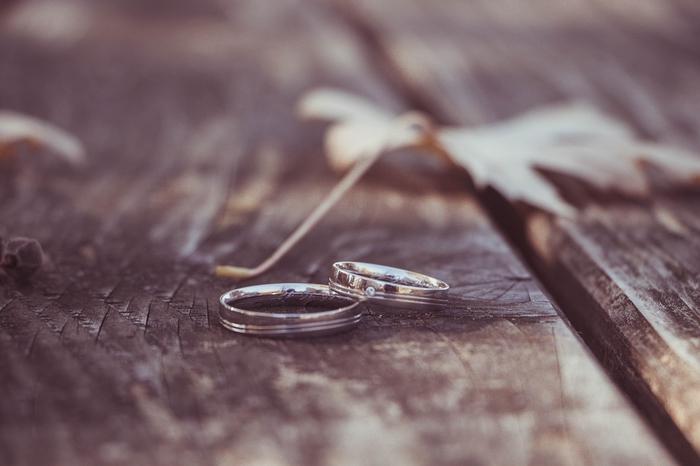 離婚 好き だけど 「好き」と「離婚」は関係ない?好きだけど離婚したい理由って?