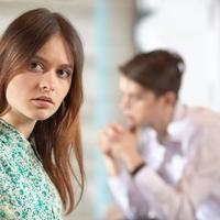 目移りされてない?心の浮気をする男女の特徴&見破る方法