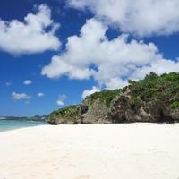 岩や石のエネルギーを感じる!沖縄の2大パワースポット