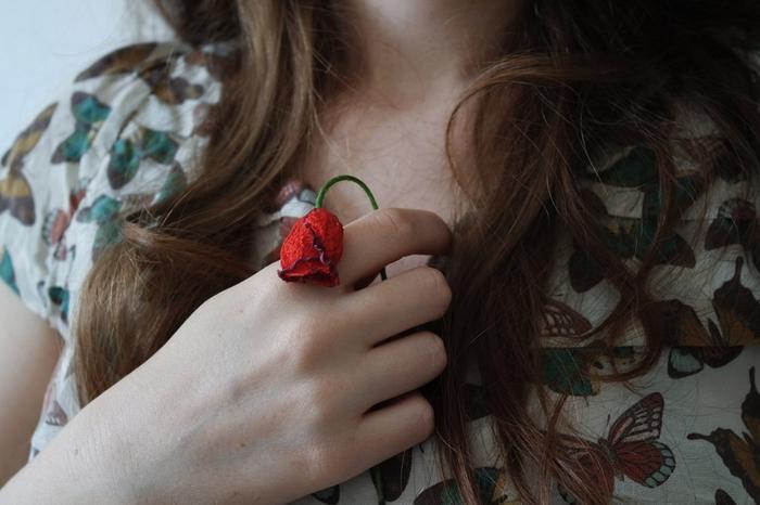 恋愛で重くなる女と重くない女の特徴とは?重い女度診断