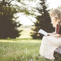 モテる女子の王道♡読書が趣味であることのメリット4選