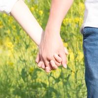 緊張が収まらない…初デートで緊張しない方法