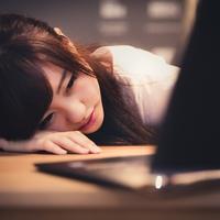 仕事や勉強で眠くならない!眠気を覚ますおまじない3選