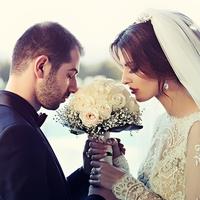 出会い系サイトで出会った人と結婚するメリット・デメリット