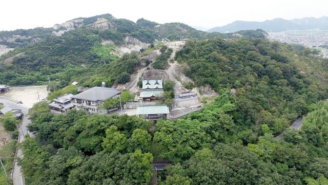 巨大な石からご利益を授かろう!兵庫県のパワースポット…生石神社