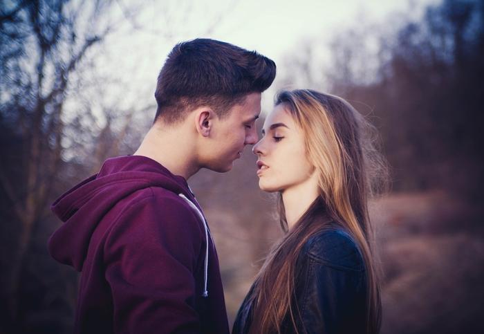 同棲中に浮気をする男性心理と浮気相手の見破り方