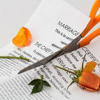 浮気相手がいながら結婚するとどうなる?注意点&体験談