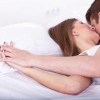 【禁断の恋!浮気】女性からベットにつれて行くときの浮気の誘い方4選