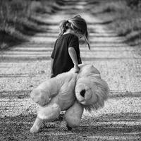 浮気が子供に与える傷は深い。父親の浮気が子供に与える影響◯つ