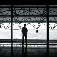 社会人カップルの遠距離恋愛は続く!?失敗談&成功談