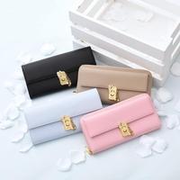 風水効果ばっちり!財布の形や色の選び方