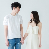 キスや体の関係を続けている...友達以上恋人未満の元彼と復縁する方法