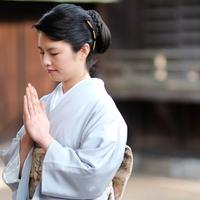お岩さんの墓!?京都にある妙行寺の占いが当たると話題