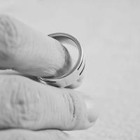 【破談】彼女の浮気で婚約破棄になった体験談とその後