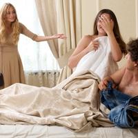 優しいはずの夫が浮気...なぜ?不倫をする旦那の本音と心理