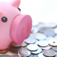 貯金がたまらない!遠距離カップルのお金事情&節約方法