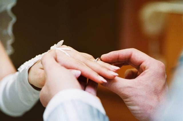 毎年恒例になる結婚記念日の祝い方&愛が深まるコツ