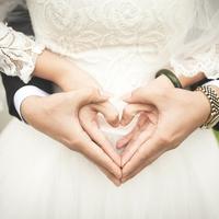 結婚報告される夢を見た!夢占いの意味とは?