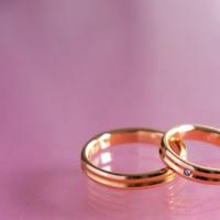友達や職場の人が結婚することを言わないのはなんで?
