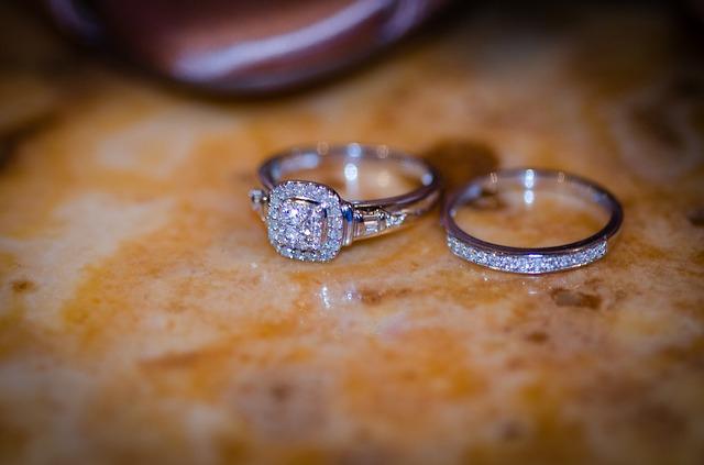 結婚式前に妊娠は後悔する?...出産前に式をするときの注意点