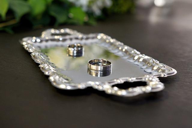 結婚は早いほうがいいって本当なの?若いうちに結婚するリスク