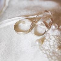 結婚指輪の夢を見た!夢占いの意味はなんだろう…