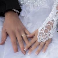 つける人は珍しいの?結婚指輪をつけてる男性の心理