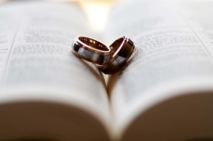 結婚指輪を割り勘で買うのは悲しい?買ってほしい時の伝え方