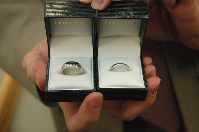 忙しい彼氏からプロポーズされるには?結婚に近づけるコツとは