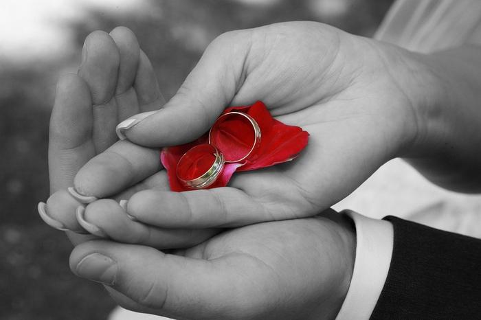 婚約指輪なしのプロポーズにがっかり...指輪なしの割合とは