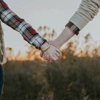 独身でアラフィフ!もう諦める?結婚を引き寄せる方法