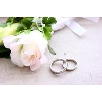 一緒ではない!?結婚指輪とペアリングの違いとは?