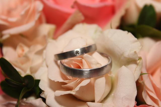 お金ない彼氏と結婚したら不幸?結婚したいときに考えるべきこと