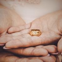 なかなか踏み切れない…女性が結婚の決め手にすることとは?