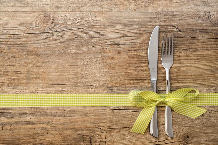 既婚者男性が独身女性と食事をする心理って?注意点とは