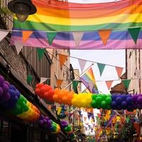 どこで出会える?同性カップルの出会いの場とは?