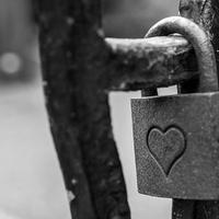 失恋で自信をなくすのはなぜ?取り戻す方法とは?