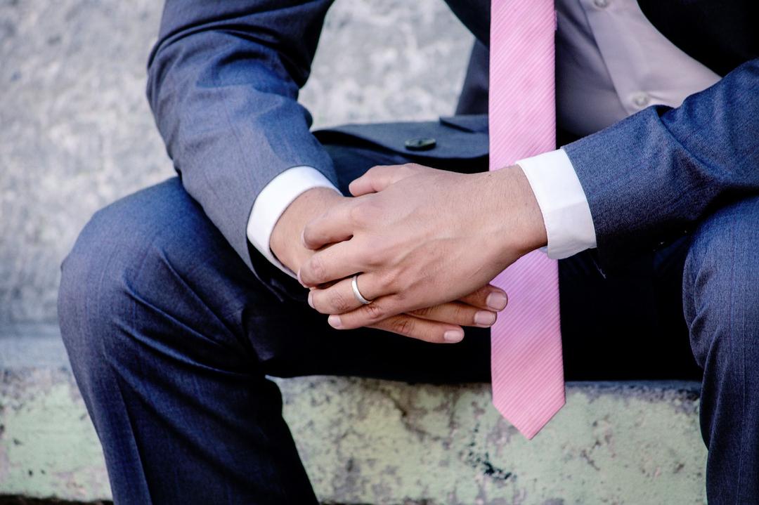 アクセサリー を つける 男性 心理